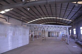 Chine Hangars ignifuges de voiture en métal d'installation rapide, hangars légers de stockage en métal de cadre en acier fournisseur