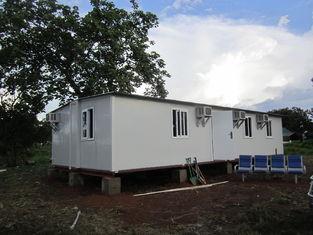Chine L'abri portatif modulaire de secours, les maisons préfabriquées pliables/a ridé des tuiles fournisseur