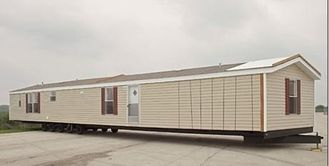 Chine Caravanes résidentielles larges mobiles portatives pliables de Chambre/double avec le matériel vert fournisseur