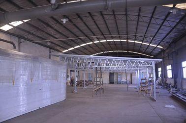 Chine Hangars ignifuges de voiture en métal d'installation rapide, hangars légers de stockage en métal de cadre en acier distributeur